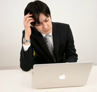 若手社員が「職場の打ち上げ」をフェイスブックに… 社長にバレたらと思うと冷や汗止まらない