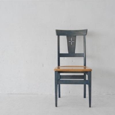 「御社の椅子が魅力的過ぎて…」 面接でどうぞと言われる前に座ってしまったら