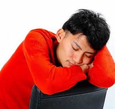 会社で寝てこそ「真の社畜」 土足厳禁は「せめて綺麗な床で寝たいから」