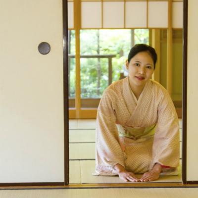 「逆にウザい」日本の過剰サービス モンスター顧客の「クレーム対策」の側面も